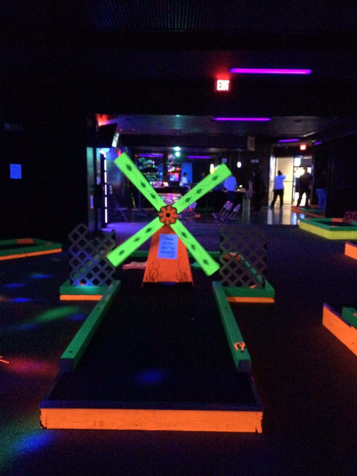 kid fun in indianapolis - Indianapolis Kids Glow Golf