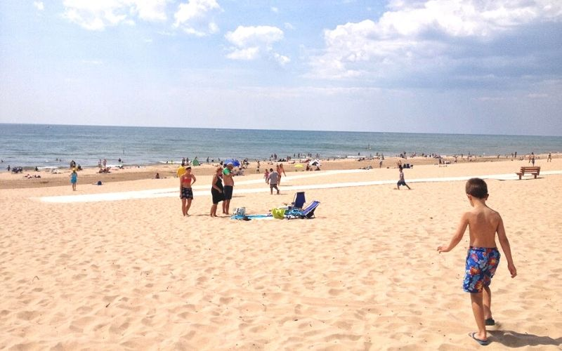 best lake michigan beaches - north beach park beach area