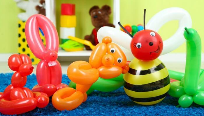 birthday party treat balloon animals