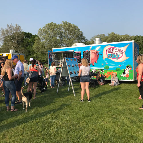 Pig Out on the Fly BBQ Food Truck