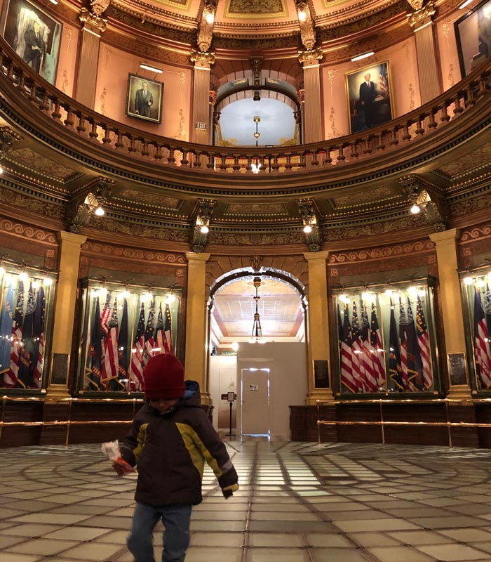 Self-Guided-tour-the-Michigan-State-Capitol-building
