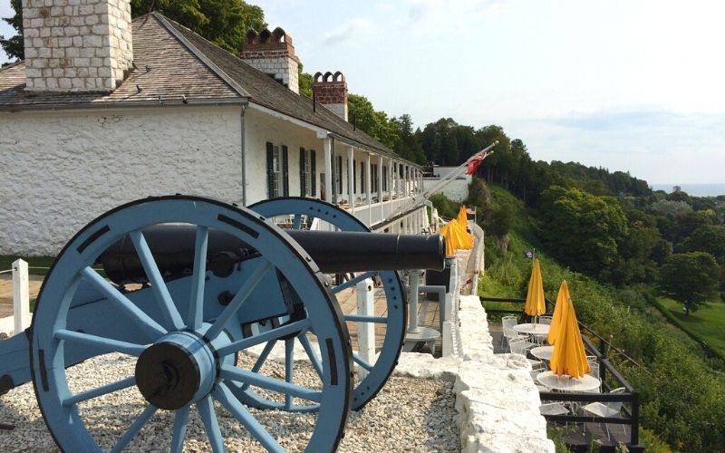 fort mackinac cannon and tea room