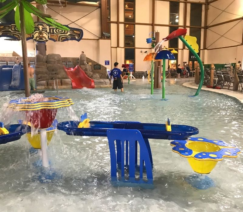 great wolf lodge traverse city water park 2