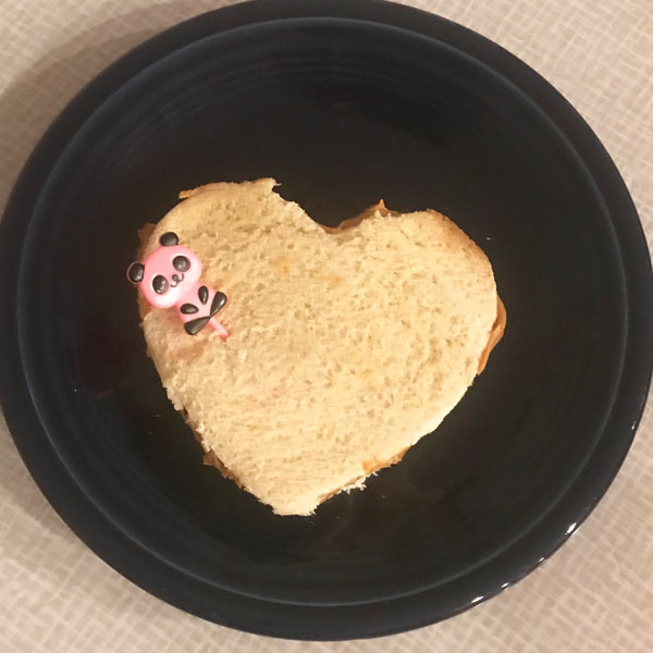 Valentines Day hacks heart shaped sandwich