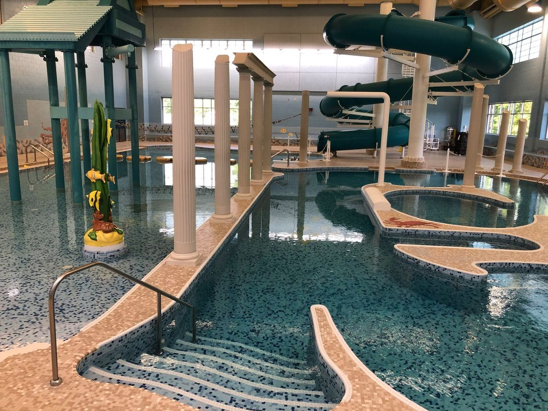 Spring Lake Aquatic Center waterpark