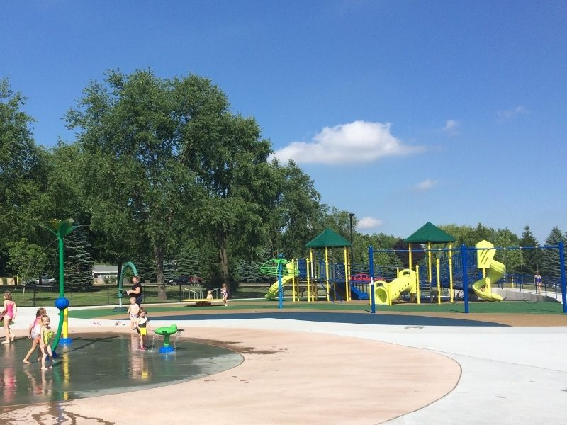 rosewood park in jenison 1