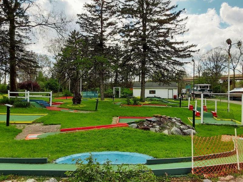 Loeschner's Village Green Miniature Golf