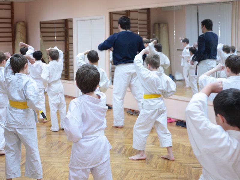 martial arts kids in class